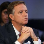FILE PHOTO - Tennessee Republican Governor Bill Haslam listens during the National Governors Association Winter Meeting in Washington, DC, U.S. on February 22, 2014.   REUTERS/Mike Theiler/File Photo